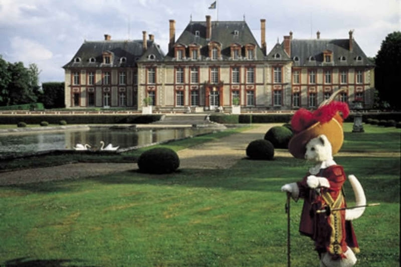 Замок кота в сапогах в Париже